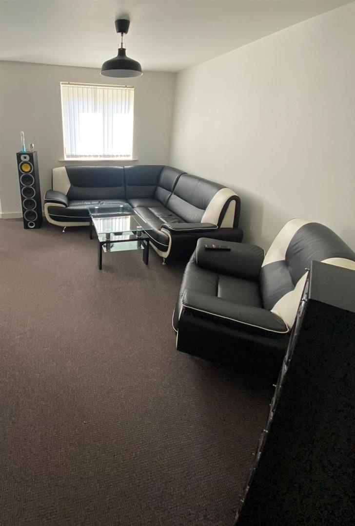 2 Bedroom Block Of Flats For Sale - 22.jpg